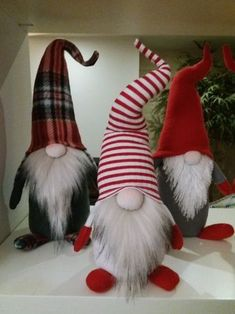 Gnomes, Tomte, Nisse or Tonttu. In Scandinavian countries, these little creatures guard your home. Christmas Crafts To Sell Bazaars, Diy Christmas Gifts For Family, Handmade Christmas Gifts, Christmas Projects, Holiday Crafts, Christmas Decorations, Christmas Signs, Christmas Christmas, Christmas Sewing