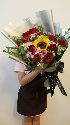 You Are Not Just My Friends, You Are My Heart❤, My Love, My Life, My EveryThing.- Milan Florist  #SunFlower,#Rose,#Euphobia,#Flower,#MilanStyle,#milanflorist,#MFMA 米兰花屋 Milan Florist Mount Austin Tel:016-7677027/016-7704487 www.milanflorist.com.my