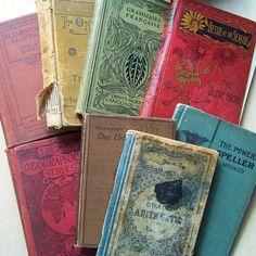 colorful vintage books <3