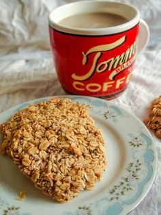 Oat & Banana Cookies [Veganize: Use agave or other sweetener instead of honey]