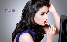 Learn How To Do Makeup Like Bollywood Celebrities - Mode, Schmuck, Make-up, Schuhe, Tattoo Modelle Bollywood Makeup, Bollywood Actress, Cannes, Beauty Trends, Beauty Hacks, Red Lipstick Makeup, Kajal, Bold Brows, How To Do Makeup