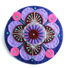 Tudor rose felt brooch with freeform embroidery By Applique Originals Felted Wool Crafts, Felt Crafts, Fabric Crafts, Polymer Clay Christmas, Felt Christmas Ornaments, Christmas Christmas, Felt Flowers, Fabric Flowers, Wool Embroidery