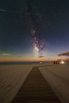 Leading lines - the Milky Way in September in Chia, Sardinia, with the passage of the ISS International Space Station.