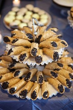 wedding-cannoli