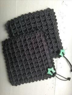 Corner to corner - grydelapper - 2 farvet Crochet Kitchen, Crochet Home, Crochet Gifts, Diy Crochet, Crochet Potholders, Crochet Motif, Knitting Patterns, Crochet Patterns, Crochet Projects
