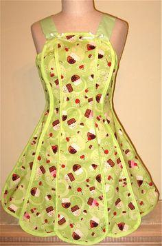 Cindy Apron - Homemade Cupckes Green