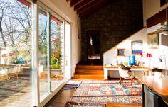 Un salone luminoso con accesso alla bella #terrazza. #brescia #villa #dreamhome