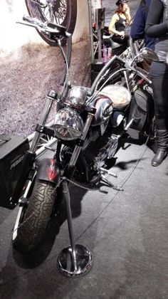 Lemmyn pyörä edestä kuvattuna.   #mpmessut #mpmessut2016 #moottoripyörä #mprenkaat #mprenkaat-store  Moottoripyörän renkaat myy http://mprenkaat-store.com