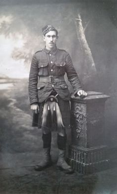 WW-I-British-Real-Photo-Postcard-A-Private-of-The-Gordon-Highlanders
