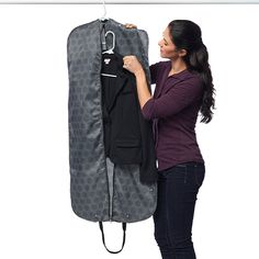 RuMe's Garment Bag streamlines the clothes-packing process with the ability to transfer from your closet straight into another. With one easy zip, your dress or suit can be packed, wrinkle-free, without having to tediously fold or stuff it in a suitcase. #suitcase #traveltip #bags #MyRuMe