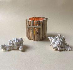 Petit photophore agrémenté de bois flotté Decoration, Jar Candle, Candles, Decor, Decorations, Decorating, Dekoration, Ornament