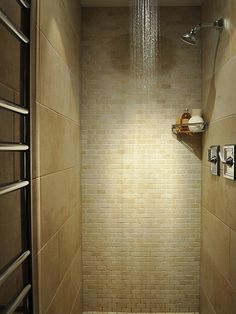Create this Rain Shower Ideas for your bathroom. Tag: rain shower ideas bathroom tile, rain shower baby shower theme, rain shower head with handheld, rain shower head ceiling dream bathrooms Bad Inspiration, Bathroom Inspiration, Bathroom Design Small, Modern Bathroom, Small Bathrooms, Industrial Bathroom, Family Bathroom, Bathroom Interior, Tile Bathrooms