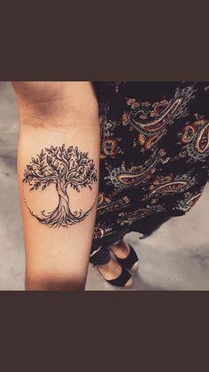 Tattoo ideen frauen baum 37 ideas – foot tattoos for women Tree Sleeve Tattoo, Tattoo Sleeve Designs, Back Tattoo, Sleeve Tattoos, Bodhi Tree Tattoo, Tree Tattoo Foot, Tattoo Sleeves, Wrist Tattoo, Foot Tattoos