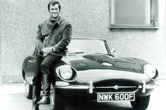 "Tony Curtis and Jaguar E-type - Stars and cars ""University Driving School"""