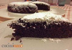 Intolleranti a quasi tutto? Questa #torta è per voi! Cioccolatosa, morbida, meravigliosa #senzauova #senzalatte #senzalievito e per renderla #senzaglutine sostituite la farina di kamut con farina di riso #vegan