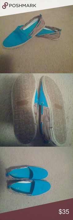 Like new comfortable Coach shoes Coach Shoes Flats & Loafers