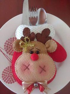 Christmas Fair Ideas, Felt Christmas Decorations, Felt Christmas Ornaments, Christmas Makes, Christmas Projects, All Things Christmas, Christmas Holidays, Table Decorations, Easy Halloween Crafts