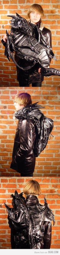 Must..have...dragon..backpack