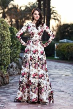 Modest Maxi Dress, Long Gown Dress, Floral Maxi Dress, Stylish Dress Designs, Stylish Dresses, Casual Dresses, Frock Fashion, Hijab Fashion, Fashion Outfits