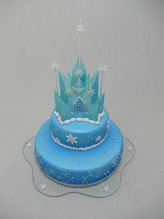 FROZEN CASTLE CAKE