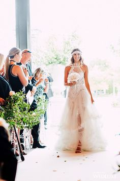 WedLuxe– A 'Vibrant Summer Garden' Wedding for a Style-Savvy Couple | Photography By: Purple Tree Photography Follow @WedLuxe for more wedding inspiration!