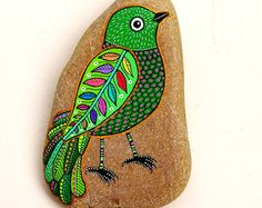Hand Painted Stone Bird от ISassiDellAdriatico на Etsy