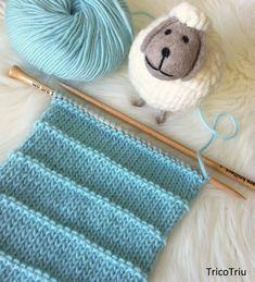 Hoy os traigo el patrón de un cuello muy bonito que se teje combinando vueltas del derecho y vueltas del revés. Puede que penséis que los ... Knitted Afghans, Crochet Blanket Patterns, Sweater Knitting Patterns, Knitted Blankets, Knitted Hats, Knitting Videos, Loom Knitting, Knitting Stitches, Baby Knitting