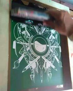 @ixlutx no Instagram https://www.instagram.com/p/BYX3pLLhivw/Só um pouco + !  @tecnorganics_  #silkscreen #printscreen #prints #ixlutx #tecnorganics #impressão #pintura #emulsão #light #luzsolar #reflexo #tentaculos #ilustração #circlelicious #tela #emulsion #gravura #ilustration #reprodução #arte #art #artista #salvador #bahia #strep #stamp #estampas #ixl #breve #aguardem #mobilização #bomdia🌞