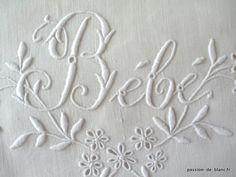 Articles vendus > Linge ancien de bébé > LINGE ANCIEN/Merveilleux drap de bébé brodé main sur toile de lin fin avec inscription - Passion de...