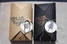 Kleine Geschenke können auch gut in einem Umschlag verpackt. Das ist schnell mit dem Stanz - und Falzbrett für Umschläge gemacht und schaut ...