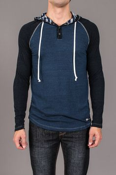 Venley The Pitolo Hooded Henley