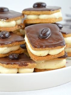 Coffee Cookies - I need to bake - Coffee biscuits bake Cookies cookies - Biscuits Au Café, Coffee Biscuits, Coffee Cupcakes, Coffee Cookies, Cool Cafe, Cake Recipes, Dessert Recipes, Crockpot, Party Finger Foods