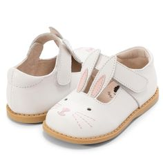Cute Shoes For Kids, Cute Baby Shoes, Baby Boy Shoes, Kid Shoes, Girls Shoes, Baby Boots, Little Girl Shoes, Toddler Girl Shoes, Little Doll