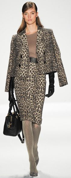 Badgley Mischka Fall 2014 Ready-to-Wear Collection - Vogue ca4f86716