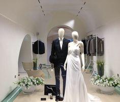 Arrogance boutique, Italy. Architects: Emilio Maiorino & Partners S.r.l. - iGuzzini Product: Laser Blade #laserblade #lighting #design #iGuzzini