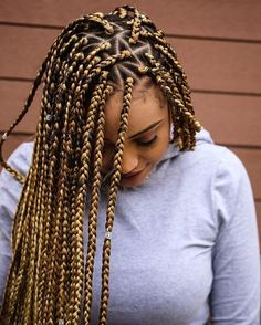 Mini Triangle blonde brown box briads protective style for summer