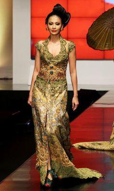 sentuhan emas #kebaya #anneavantie 2012