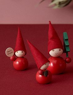 Hello, I wish people Merry Christmas in English! Aarikka's Tonttu elves are fantastic dinner table or window decorations and of course make excellent gifts for lovers of high quality craft work. Norway Christmas, Christmas Makes, Diy Christmas Ornaments, Scandinavian Christmas, Christmas Elf, Christmas Angels, Christmas Decorations, Table Decorations, Christmas 2019