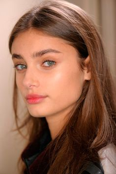 """"""" Taylor Marie Hill backstage at Roland Mouret Spring 2016 - Paris Fashion Week. Taylor Marie Hill, Taylor Hill Hair, Skin Makeup, Beauty Makeup, Hair Beauty, Makeup Lipstick, Gym Makeup, Fall Makeup, Lipstick Shades"""