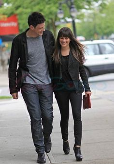 Cory Monteith & Lea Michele Out Of The Eatery, Vancouver - May - Cory Monteith Photo - Fanpop Glee Cory Monteith, Lea And Cory, Dianna Agron, Sarah Michelle Gellar, Celebrity Moms, Lea Michele, Amanda Seyfried, Teen Vogue, Christina Aguilera