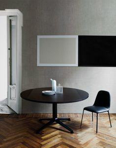 Mesa Radicequadra diseñada por Roberto Barbieri para Zanotta, disponible en Manuel Lucas Muebles, Elche