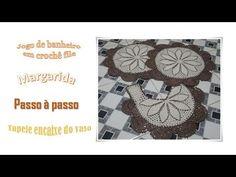 Bom dia amigas e amigos do Pinterest, pessoas maravilhosas que amam crochê como eu, demorou mais saiu a vídeo aula do tapete do encaixe do vaso do jogo de banheiro em crochê file margarida, estou trabalhando nas legendas e em breve estarei colocando no vídeo ok pessoal. 😍😍😍😉😘 #crochê #vídeoaula