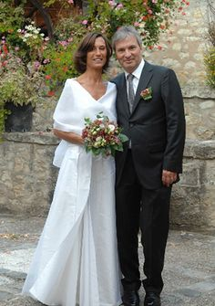 robe de mariee moderne en doupion de soie et en organza #creationsurmesure #mariage #mariee #haute-couture #paris #createur #robedemarieeunique