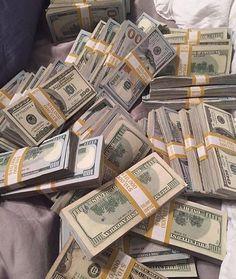 Money gold cash stack earn goals and motivation wealth and dollar bills rich lif.- Money gold cash stack earn goals and motivation wealth and dollar bills rich lifestyle