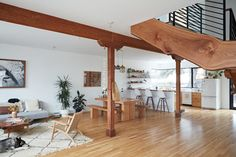 Photo 2 of 9 in This Beachside Pad in San Francisco Is the Stuff of Surfers' Dreams - Dwell