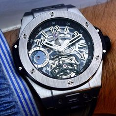 The hublot bigbang tourbillon with a 5 days power reserve on the wrist.