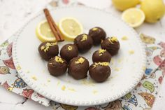 17 elronthatatlan sütés nélküli desszertgolyó   Mindmegette.hu Balls Recipe, Minion, Cereal, Deserts, Favorite Recipes, Sweets, Cookies, Fruit, Breakfast
