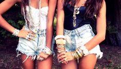 Fashionable sisters!