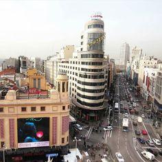 Nos gusta comenzar la semana con estas vistas clásicas de #Madrid  by  @lauraussie #MadridSeduce #fotosmadrid #fotografia #GranVia #fotosconvistas #instamadrid #otoño #instapic #madridgram #madridmemola #madriz #lovemadrid #madridmemata #madridmola #madridgrafias #igersmadrid #igerspain #instagram #felizlunes #Navidad2015 #diciembre #estaes_madrid #demadridalcielo by madridseduce