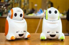 social robots - Good way to help socialize kids. Helps in Communication. Robotics And Artificial Intelligence, Educational Robots, Uk Tv Shows, Robotics Projects, Cool Robots, Arduino, Monster High, Piggy Bank, Communication